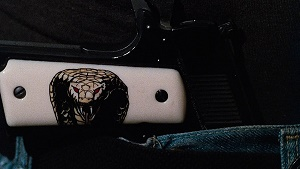 pistola del cobra