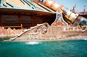 nautilus in laguna a disneyland Paris