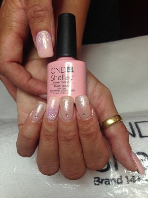 smalto mani shellac