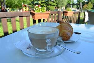 cappuccino e brioche peter pan