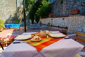 b&b antico frantoio colazione in terrazza