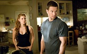 kate mara e mark wahlberg in shooter