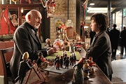 ben kingsley e asa butterfield in hugo cabret set