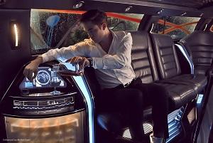 eric parker nella sua limousine